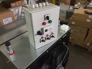 Elektro ormarić po narudžbi za kontrolu tri Viseća Grijača Zraka i termostatom